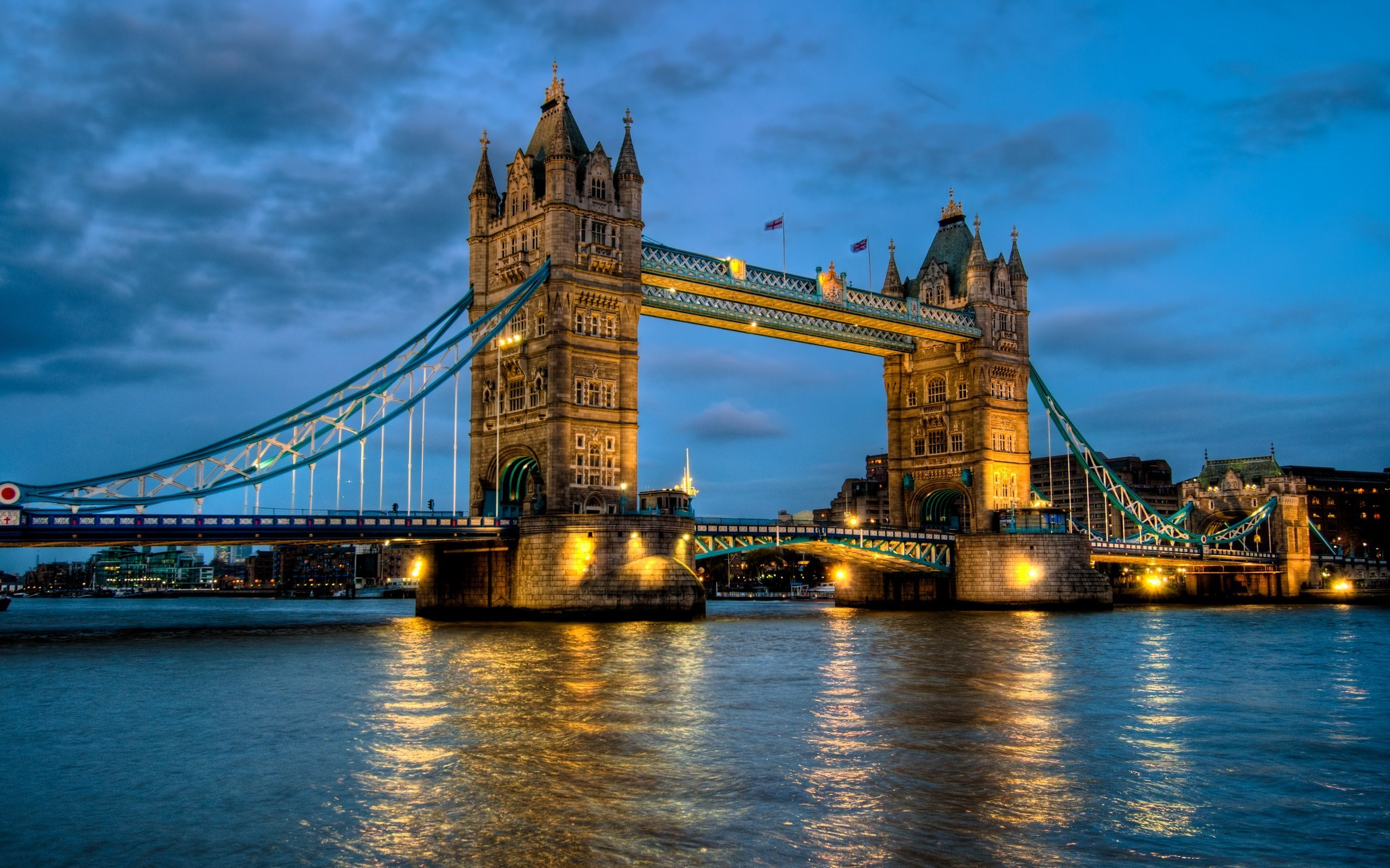 Tower Bridge In London At Dusk HD Wallpaper