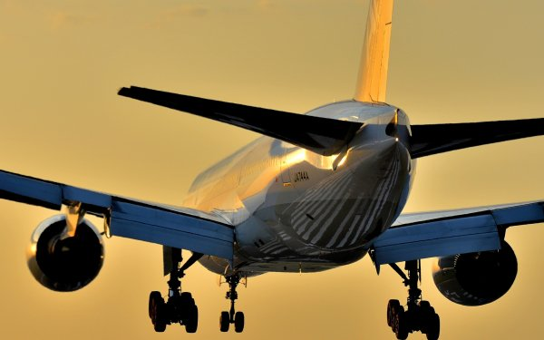 Vehicles Boeing 777 Aircraft Boeing Passenger Plane HD Wallpaper | Background Image