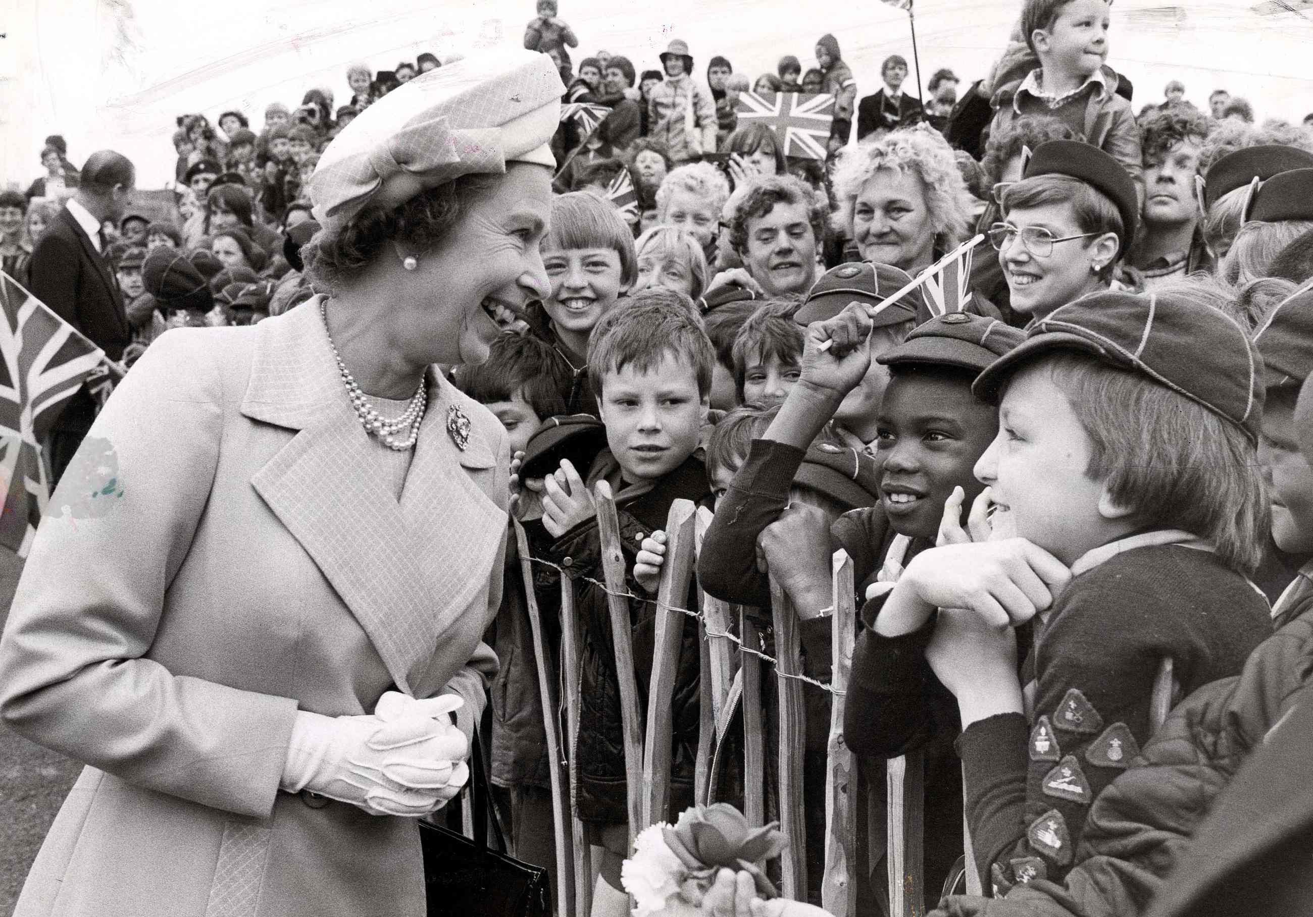 Queen Elizabeth The Silver Jubilee Celebrations Hd Wallpaper