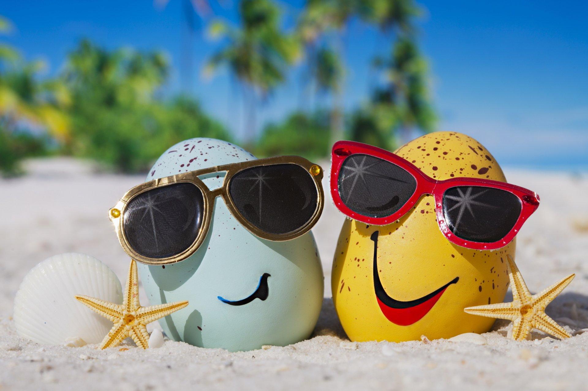 Artistic - Summer  Sunglasses Egg Beach Wallpaper