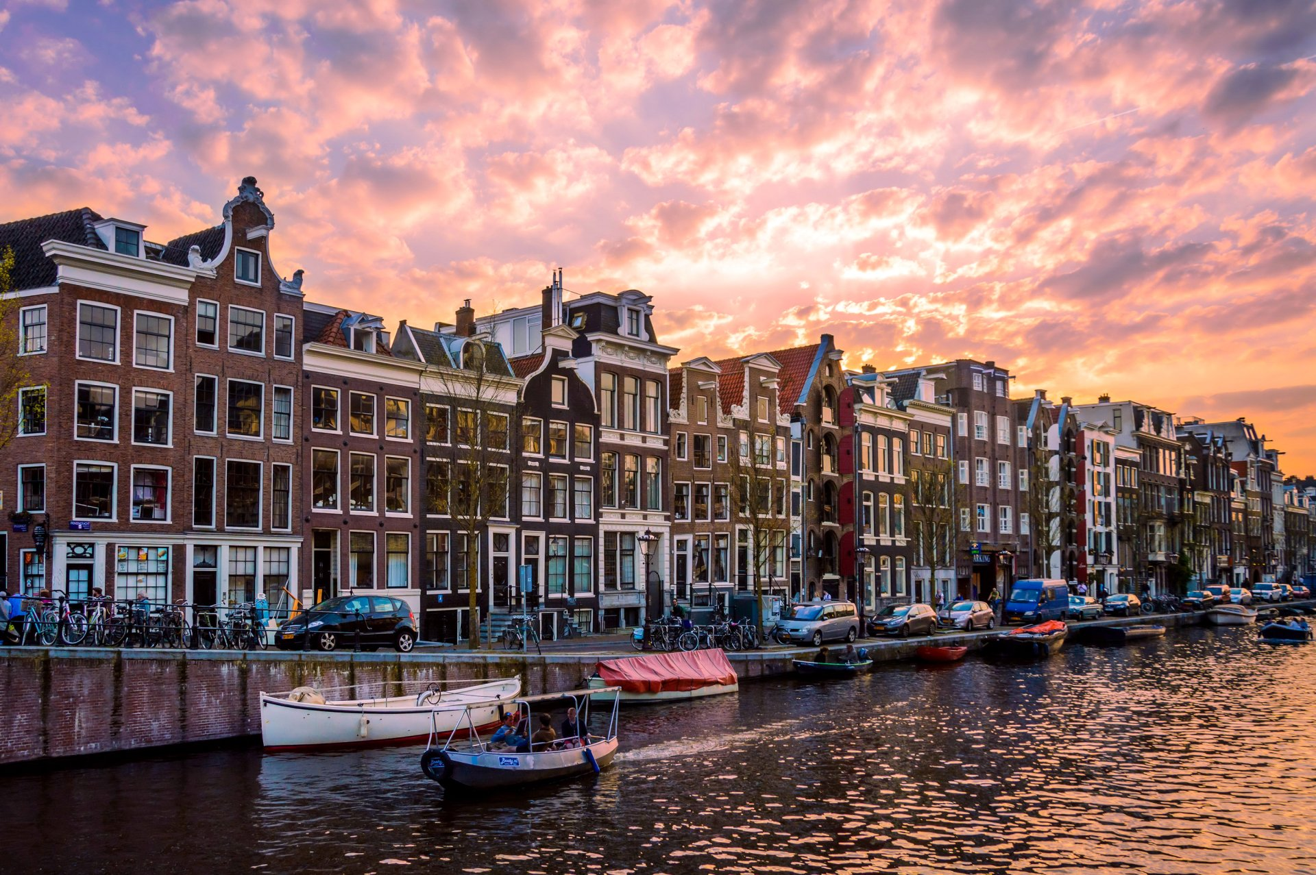 Man Made - Amsterdam  House Netherlands Canal Boat Wallpaper