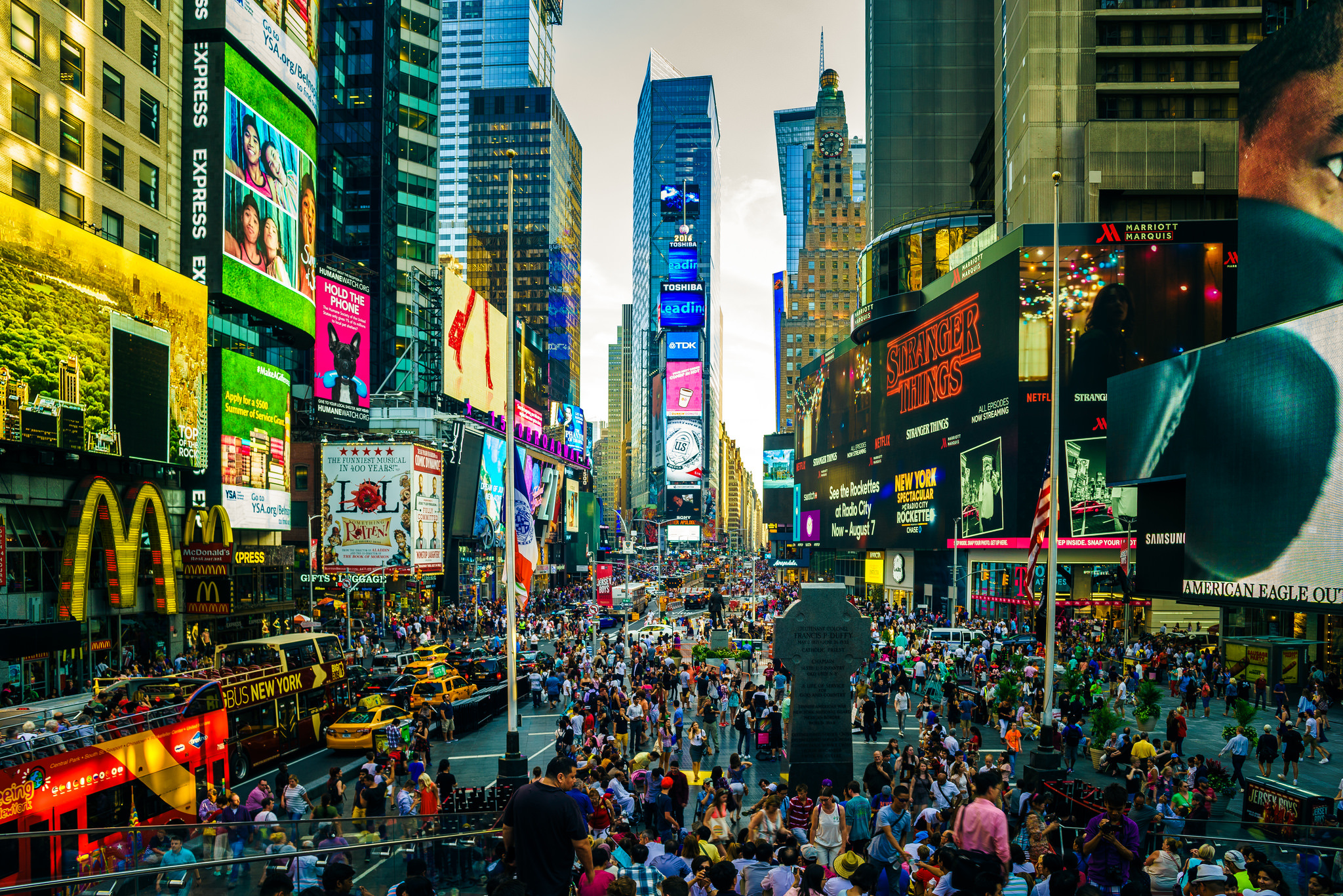 9 times square hd wallpapers backgrounds wallpaper abyss - Times square background ...