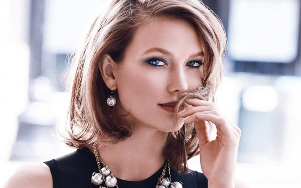 Celebrity Karlie Kloss Models United States Model HD Wallpaper | Background Image