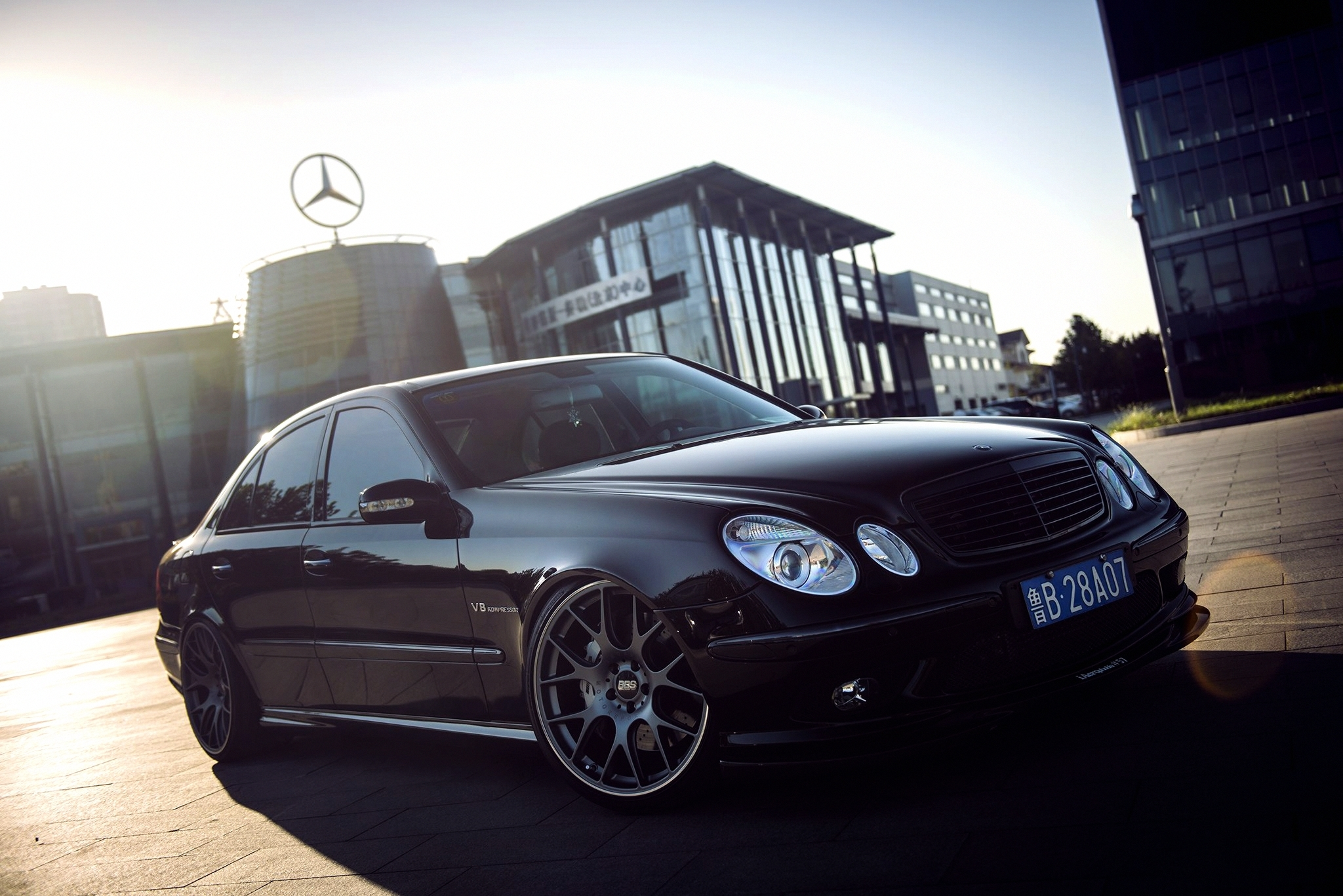 Mercedes benz e class full hd wallpaper and background for Mercedes benz navigation free download