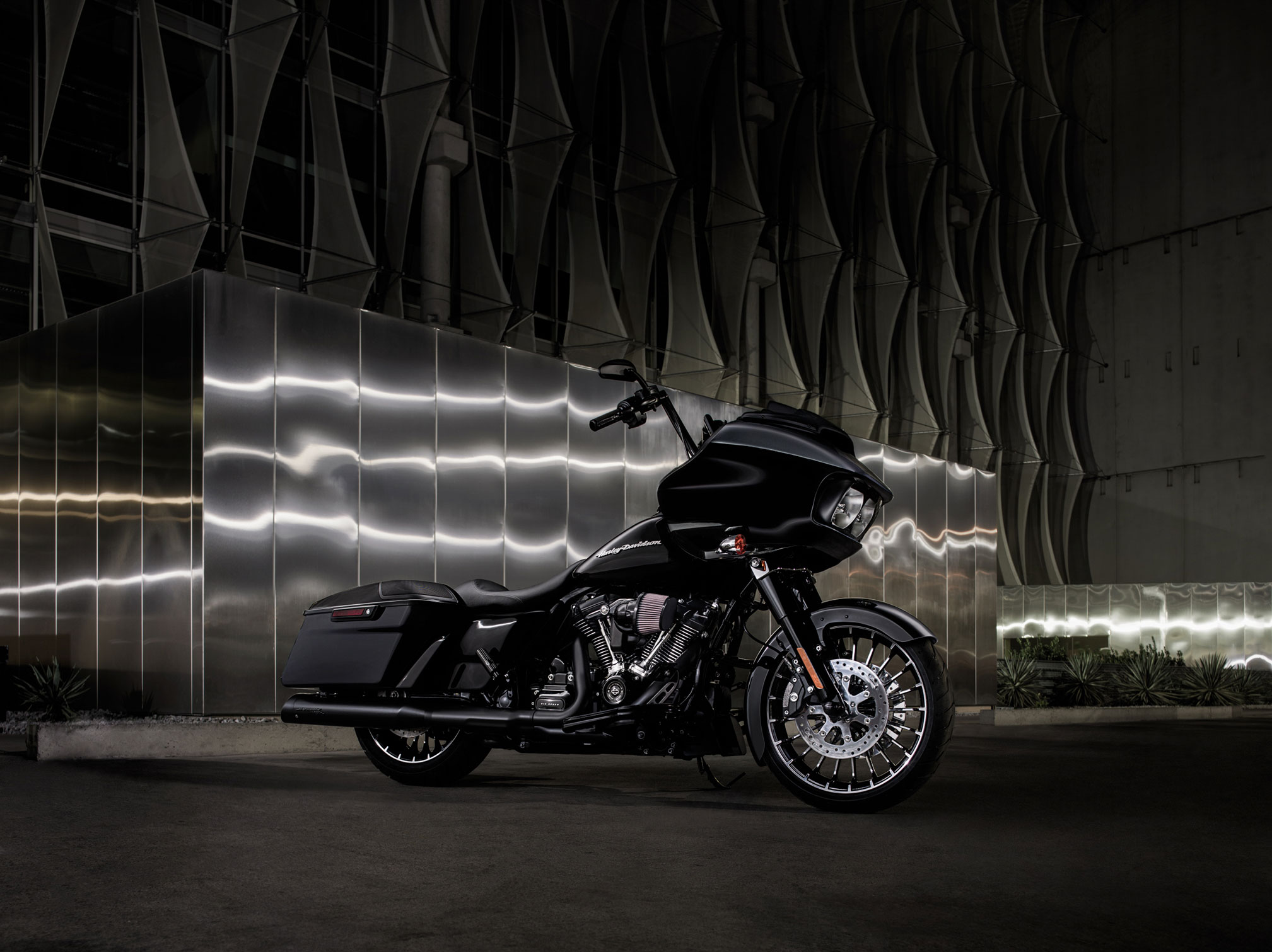10 Harley Davidson Road Glide Hd Wallpapers Background Images