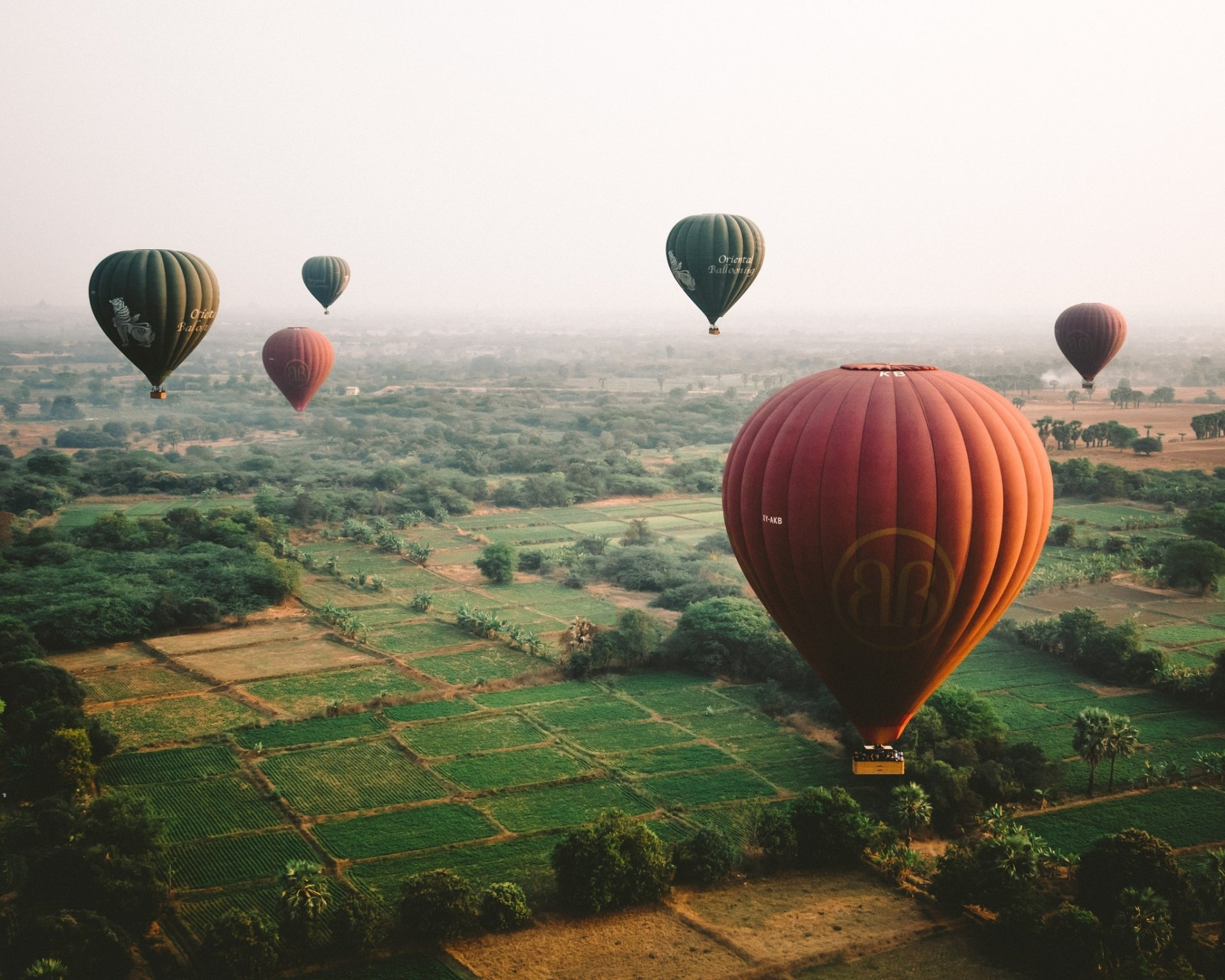 Vehicles - Hot Air Balloon  Landscape Vehicle Wallpaper