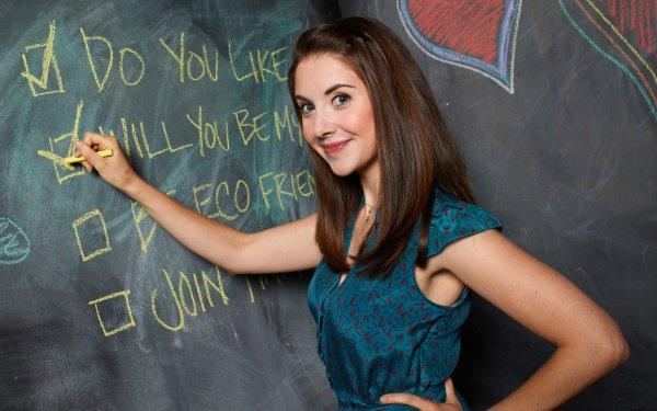 TV Show Community Alison Brie HD Wallpaper | Background Image
