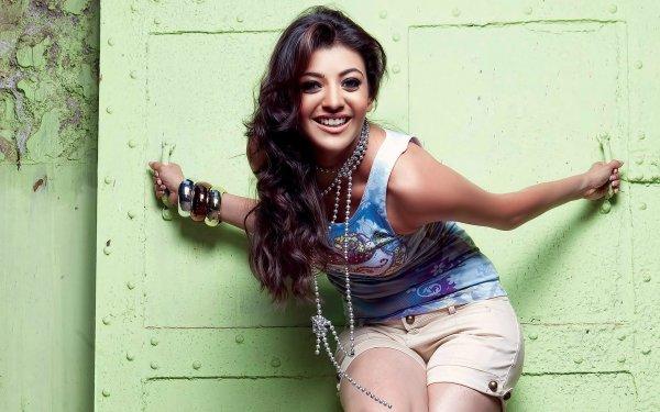 Kändis Kajal Aggarwal Skådespelerskor Indien Actress Brunette Smile Necklace Jewelry HD Wallpaper | Background Image