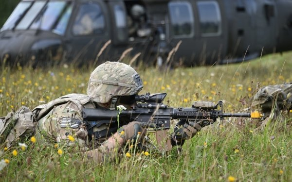 Military Soldier Rifle M4 Carbine HD Wallpaper | Background Image
