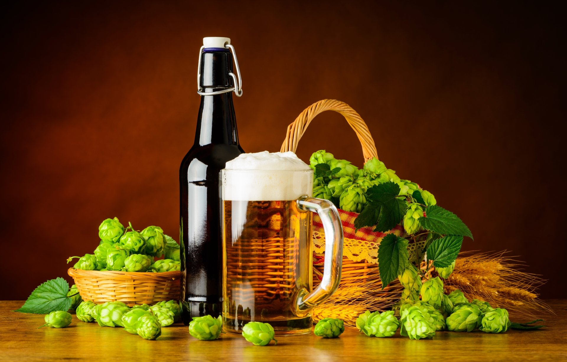 Photography - Still Life  Beer Alcohol Drink Glass Bottle Hop Basket Wallpaper