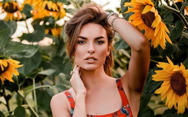 Mujeres Modelo Modelos Woman Chica Morena Brown Eyes Girasol Verano Yellow Flower Fondo de pantalla HD | Fondo de Escritorio