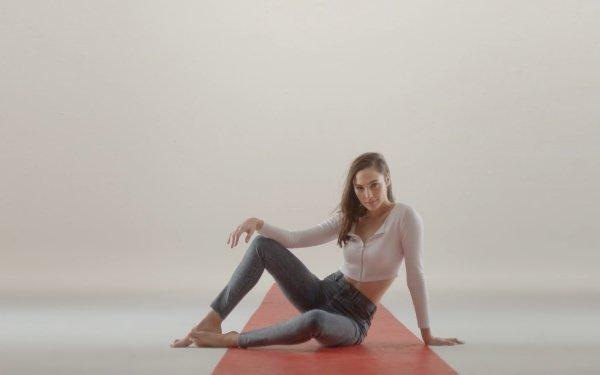 Celebrity Gal Gadot Actresses Israel Actress Jeans Sitting Brunette Brown Eyes Long Hair HD Wallpaper | Background Image