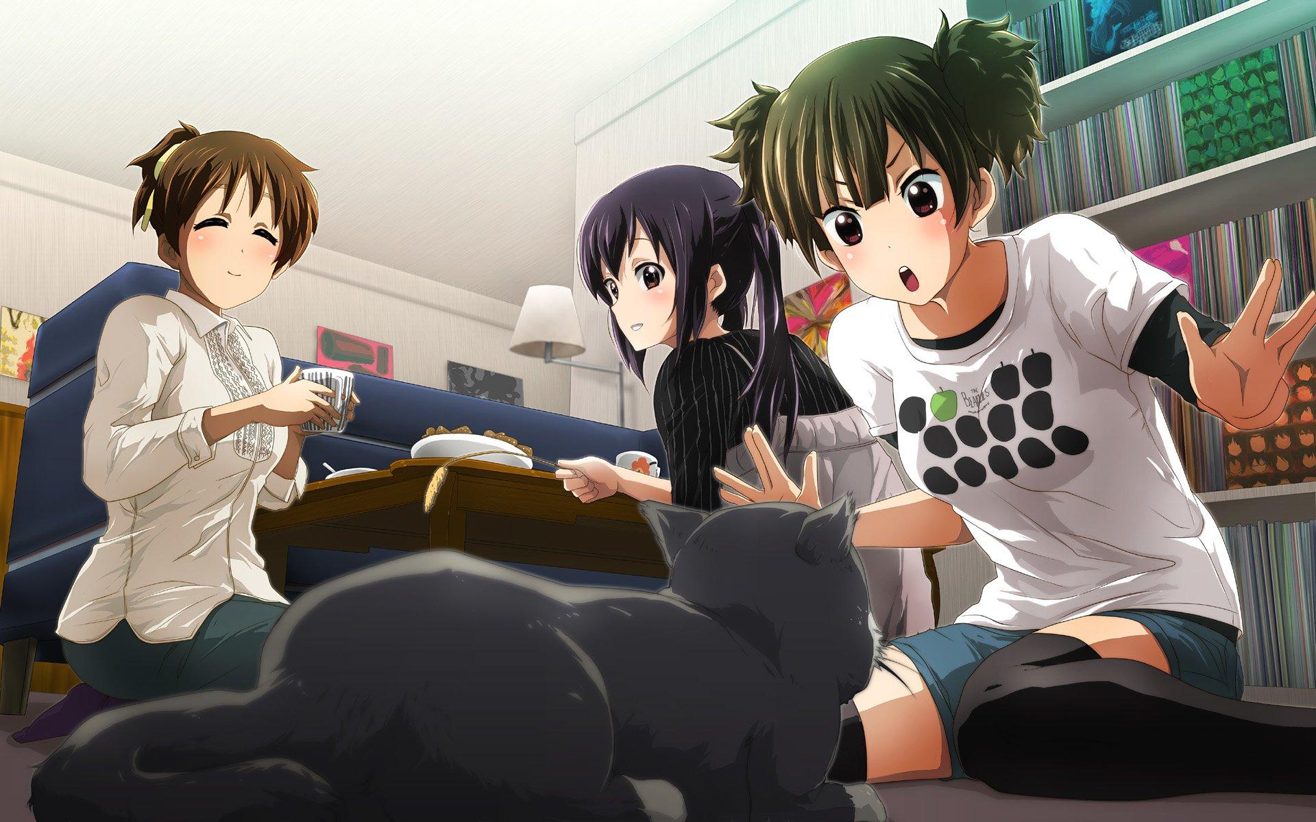 Anime - K-ON!  Room Girl Ui Hirasawa Jun Suzuki Azusa Nakano Wallpaper