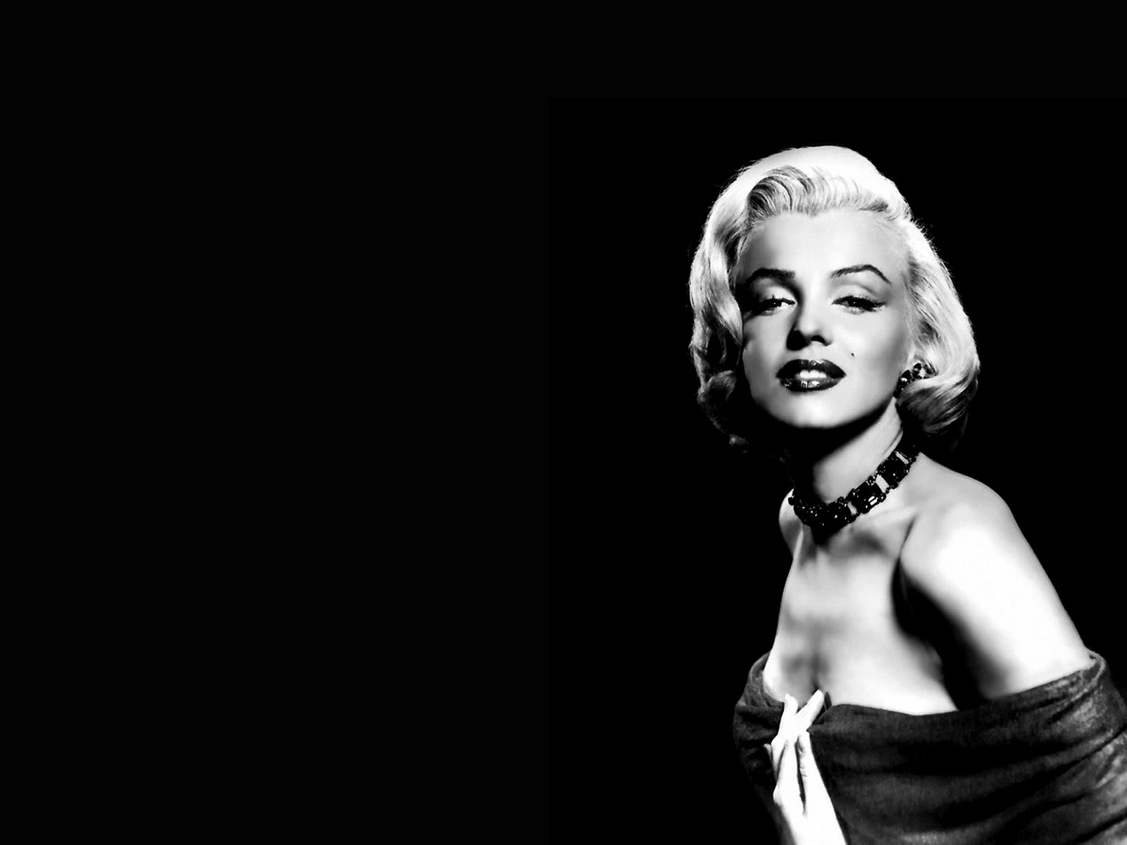 Marilyn Monroe Wallpaper And Background 1600x1200 Id 9790