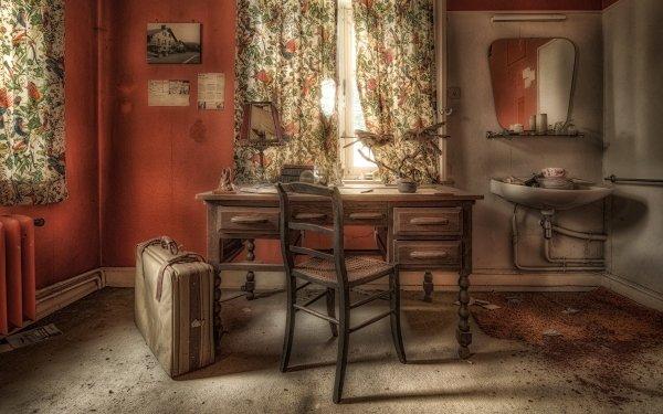 Man Made Room Vintage Suitcase HD Wallpaper | Background Image